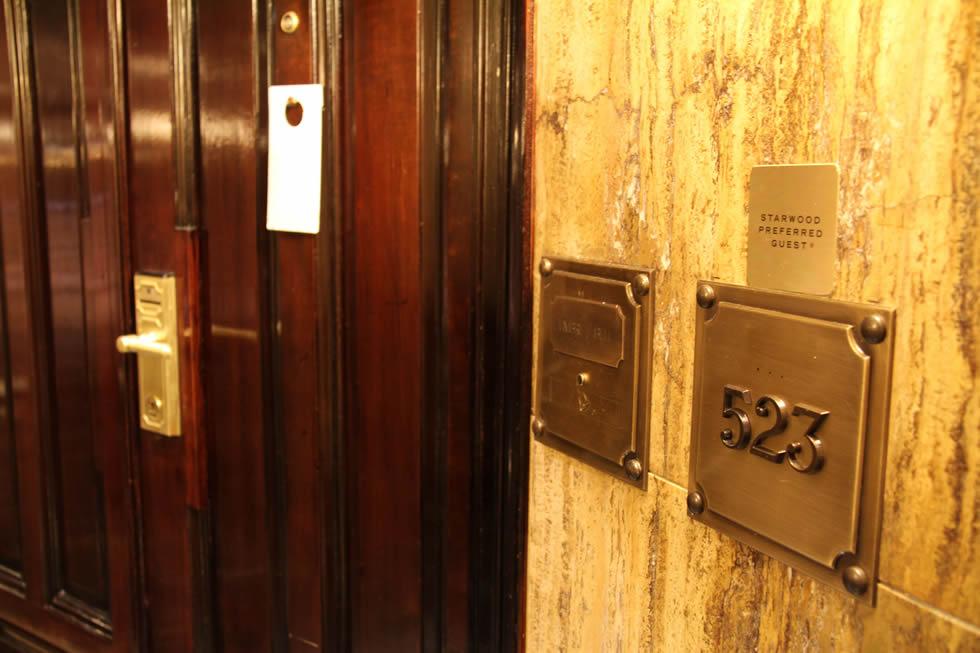 placa-piso-puerta