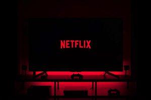 Extraña campaña de publicidad de Netflix para que te quedes en casa